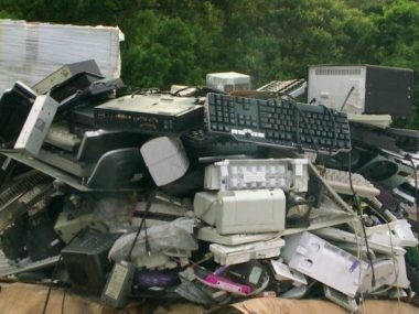 The E-Waste Tragedy Трагедия е-мусора